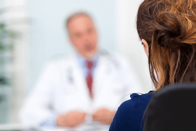 woman-with-doctor