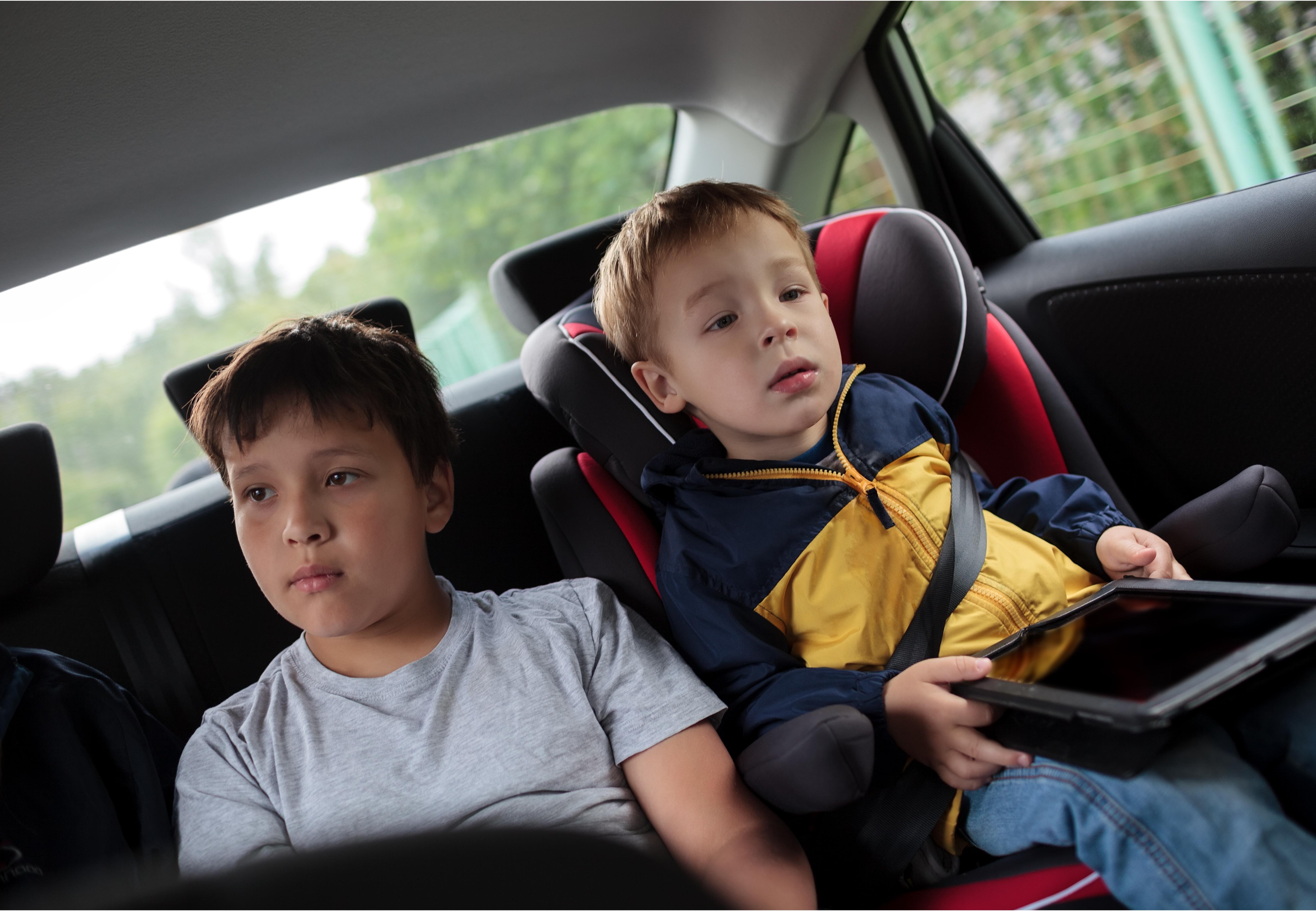 children-backseat-carseat