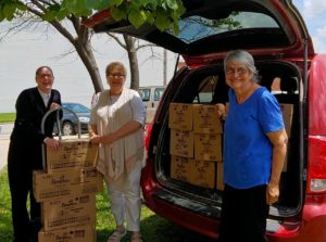 auxiliary-donates-diapers